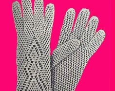 Easy  1940's Crochet Gloves Pattern by PearlShoreCat on Etsy