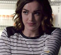 Jemma's striped top with leather shoulders on Agents OF SHIELD Elizabeth Henstridge, Mary Elizabeth Winstead, Iain De Caestecker, Fitz And Simmons, Tv Show Outfits, Better Half, Character Outfits, Striped Tank, Celebs