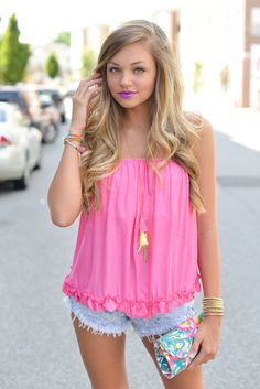 Ruffle tube top #swoonboutique Girly Outfits, Summer Outfits, Swoon Boutique, Everything Pink, Neon Colors, Floral Tops, Classy, Style Inspiration, Sexy