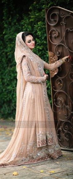 Pakistani & Indian Fashion Bridal Wedding Gowns Designs Collection 2015-2016 (6)