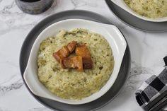 Te explicamos paso a paso, de manera sencilla, la elaboración de la receta de trinxat de la Cerdanya. Ingredientes, tiempo de elaboración Social Media Images, Canapes, Hummus, Oatmeal, Breakfast, Ethnic Recipes, Food, Arrows, Meals