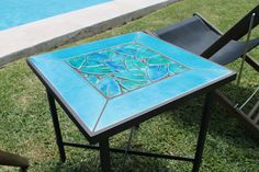 Outdoor coffee table - mosaic table - tulip flowers - square - blue / green glazes