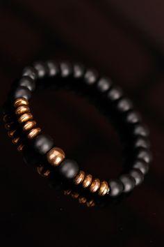 Bronz renk aksesuar detayı ile dikkat çeken Mat Siyah Oniks Doğal Taş Erkek Bileklik modeli sizin için vazgeçilmez olacak.Oniks Taşının Ruhsal FaydalarıMutl