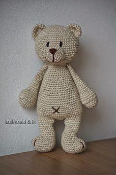 by haaknaaldenik on Etsy Crochet Teddy, Crochet Bear, Crochet Animals, Diy Crochet, Crochet Hooks, Granny Square Crochet Pattern, Crochet Patterns, Knitted Stuffed Animals, Happy Animals