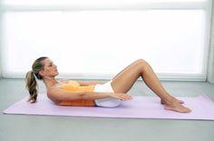 Ženy najčastejšie trápi mäkké brucho a ovisnutý zadok. Ak nenájdete čas na celú zostavu, vyberte si každý druhý deň aspoň štyri cviky a spevňujte.