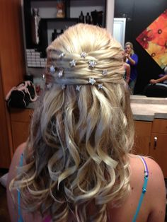 Hairstyle for homecoming