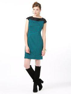 Eva Franco - stretch by border color boat neck dress