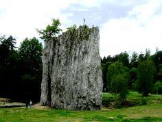 Moravsky Kras - jeskyně ve všech podobách - klasické s průvodcem i ty malé v Údolí Říčky, sloup u Sloupu i propast Macocha, vše je jiné a tím pádem zajímavé.
