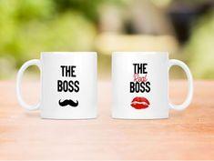 """Set de două căni din ceramică personalizate cu textele """"The boss"""" si """"The real boss"""". Pentru un cuplu care se respecta :) Boss, Tableware, Dinnerware, Tablewares, Dishes, Place Settings"""