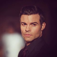 Elijah Mikaelson (Daniel Gillies) The originals Daniel Gillies, Vampire Diaries Cast, Vampire Diaries The Originals, Nathaniel Buzolic, Brother From Another Mother, Fallen Series, Tom Mison, Joseph Morgan, Cute Actors
