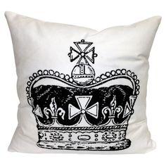 Regina Pillow
