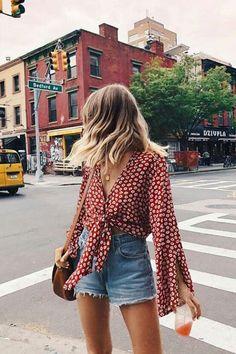 Look Ideen mit Röcken und Jeans Shorts für diesen Sommer Long live denim! Look ideas with skirts and jeans shorts for this summer, # denim # of # this # for Summer Shorts Outfits, Trendy Summer Outfits, Spring Outfits, Cool Outfits, Casual Outfits, Outfits With Jean Shorts, Unique Outfits, Casual Summer Clothes, Outfit Ideas Summer