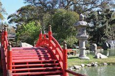 Jardín Japonés: Este parque, diseñado según la tradición nipona, es símbolo de la amistad entre Japón y Argentina. Av. Figueroa Alcorta y Av...