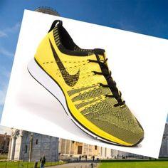 Italia Nike Flyknit Trainer+ Scarpe Da Corsa Uomo, Giallo/Nero/Bianco per creare un peso leggero cuscino sensibile resilienza ammortizzazione