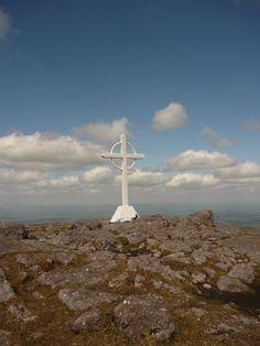Metal cross atop Galtee Mor peak (photo: Sean Fagan)
