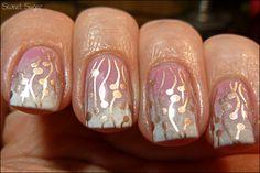 pink and gold manicure #nail #polish
