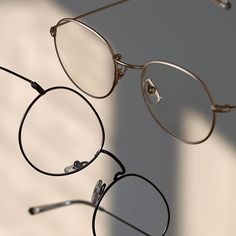 166 ακόλουθοι, ακολουθεί 123, 59 δημοσιεύσεις - Δείτε φωτογραφίες και βίντεο στο Instagram από το χρήστη Eye-Q Optical Stores (@eyeq_opticalstores) Optical Eyewear, Spring Summer 2018, Eyeglasses, Round Glass, Instagram, Eyewear, Glasses, Eye Glasses
