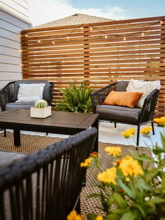 Privacy Wall On Deck, Privacy Screen Outdoor, Privacy Walls, Backyard Privacy, Patio Wall, Patio Railing, Cookie Cutter House, Cozy Patio, Bohemian House