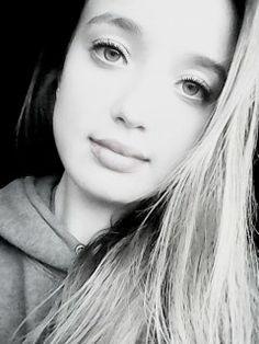 Autorretrato blanco y negro