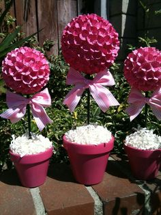 flower topiary for baby shower use letters not bows Baby Shower Table, Simple Baby Shower, Baby Shower Favors, Baby Shower Themes, Baby Shower Decorations, Outdoor Decorations, Balloon Basket, Sweet Trees, Baby Blocks