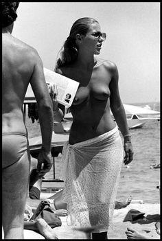 Saint-Tropez, 1978 by Elliott Erwitt