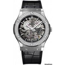HUBLOT [NEW] CLASSIC FUSION AEROFUSION TITANIUM DIAMONDS MOON PHASE (Retail:EUR 22100) ~ List Price HK$135,000