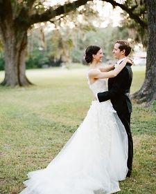 When Lauren and William decided to get married, they chose the groom's hometown of New Orleans. The Brooklyn-based pair incorporated their shared love of art, local food, music, and DIY projects along the way.
