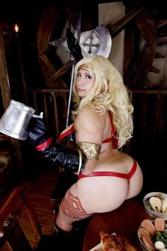 A cheeky Amazon warrior cosplay from Dragon's Crown. http://ift.tt/2engfWV