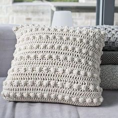 Artículos similares a Bobble pillow Natural en Etsy Knitting For BeginnersCrochet For BeginnersCrochet PatronesCrochet Baby Crochet Cushion Cover, Crochet Pillow Pattern, Knit Pillow, Crochet Cushions, Crochet Quilt, Knit Or Crochet, Crochet Motif, Crochet Patterns, Knitting Patterns