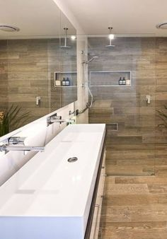 Carrelage design en céramique effet bois | Bathroom | Pinterest ...
