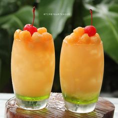 Tipsy Bartender (Posts tagged mixology) Ciroc Peach, Peach Drinks, Peach Schnapps, Banana Syrup, Peach Syrup, Raspberry Lemonade, Jolly Rancher Vodka, Mascarpone