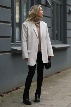 Frühlingsjacken-Trends 2021: Das sind die 5 angesagtesten Styles Blue Jeans, Biker Look, Blazer, Normcore, Style, Fashion, Hot Pink Fashion, Winter Coat, Spring Summer