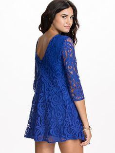 V lace back chiffon dress