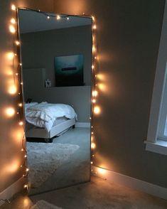 14 Decorations Your Mirror Needs To Have The Best Selfies - Raumdekoration - Room Ideas Bedroom, Bedroom Inspo, Teen Bedroom, Bedroom Designs, Modern Bedroom, Diy Room Ideas, Contemporary Bedroom, Bedroom Vintage, Minimalist Bedroom