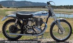 The BSA Gold Star was the seminal 500 single from Eye-popping Pictures, Specs, History & more. British Motorcycles, Vintage Motorcycles, Custom Motorcycles, Bsa Motorcycle, Triumph Motorcycles, Mx Bikes, Vintage Motocross, Classic Motors, Dirtbikes