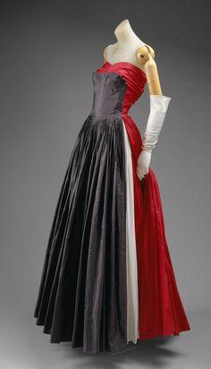 Madame Gres 1951  hukelike open sides on the skirt
