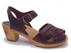 50836bdcc26 BETTY Pull Up Bordeaux Wooden Clogs