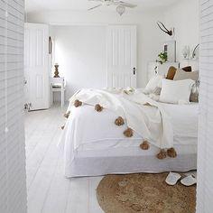 Nightynight  Pom poms   @villastyling #interior_delux  #bedroom #bedroomdesign #bedding #bedcover #soverom