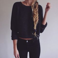 Bild via We Heart It https://weheartit.com/entry/142634780/via/21396838 #black #braid #hair #pants #sweater