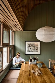 A Rugged Coastal Home By Kennedy Nolan (The Design Files) Kennedy Nolan, Timber Panelling, Timber Cladding, Australian Homes, The Design Files, Indoor Outdoor Living, Coastal Homes, Coastal Cottage, Coastal Living