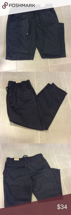 EXPRESS Ankle Pants Express Ankle & Cropped Leg Pants Soft Comfy Material  Casual Pants with elastic waistband  Size M Condition 10 out of 10 Express Pants Ankle & Cropped
