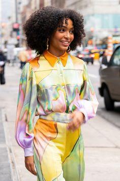 Quirky Fashion, Colorful Fashion, Modern Fashion, Fashion Design, Colourful Outfits, Fashion Over 50, High Fashion, Womens Fashion, Celebrity Look