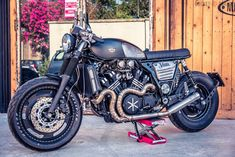V Max Muscle Cafe | Moto Design Custom