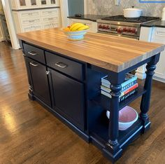 Kitchen Island With Seating, Small Kitchen Islands, Moveable Kitchen Island, Kitchen Island Top Ideas, Custom Kitchen Islands, Kitchen Island Extension Ideas, Free Standing Kitchen Island, Floating Kitchen Island, Kitchen Island With Drawers