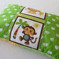Na cestách i doma měkce leží se mnou lev i opice / Zboží prodejce jeňapr | Fler.cz - little pillow on the go :) - mix of minky and cotton fabrics with lovely handle :)