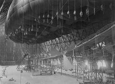 hangar-shot.jpg (800×592)