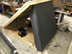 Click this image to show the full-size version. Diy Roof Top Tent, Diy Tent, Top Tents, Pickup Camper, Camper Trailers, Best Ladder, Tacoma World, Truck Tent, Sanding Wood