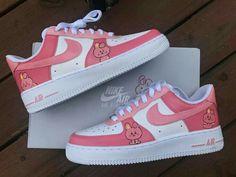 Cute Nike Shoes, Cute Nikes, Girls Formal Shoes, Sneakers Fashion, Fashion Shoes, Army Shoes, Bts Clothing, Kawaii Shoes, Nike Shoes Air Force