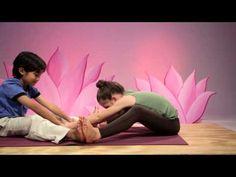 """▶ space (partner poses) - omolulu """"yoga for children"""" DVD - YouTube"""