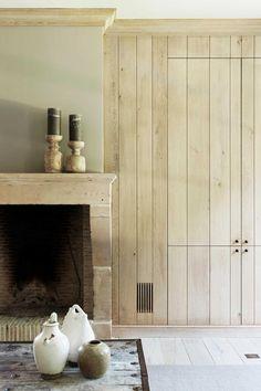 Huis in pastoriestijl nabij Sint-Niklaas - Wonen Landelijke Stijl Living Room Inspiration, Interior Design Inspiration, Wood Wall Design, Church Conversions, Double Vitrage, Architrave, House On The Rock, Victorian Design, Minimalist Interior